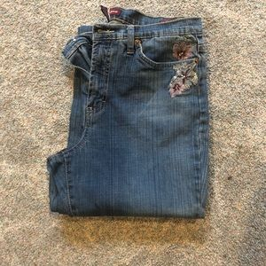 Jones Wear Jeans Floral Embroidered Size 10